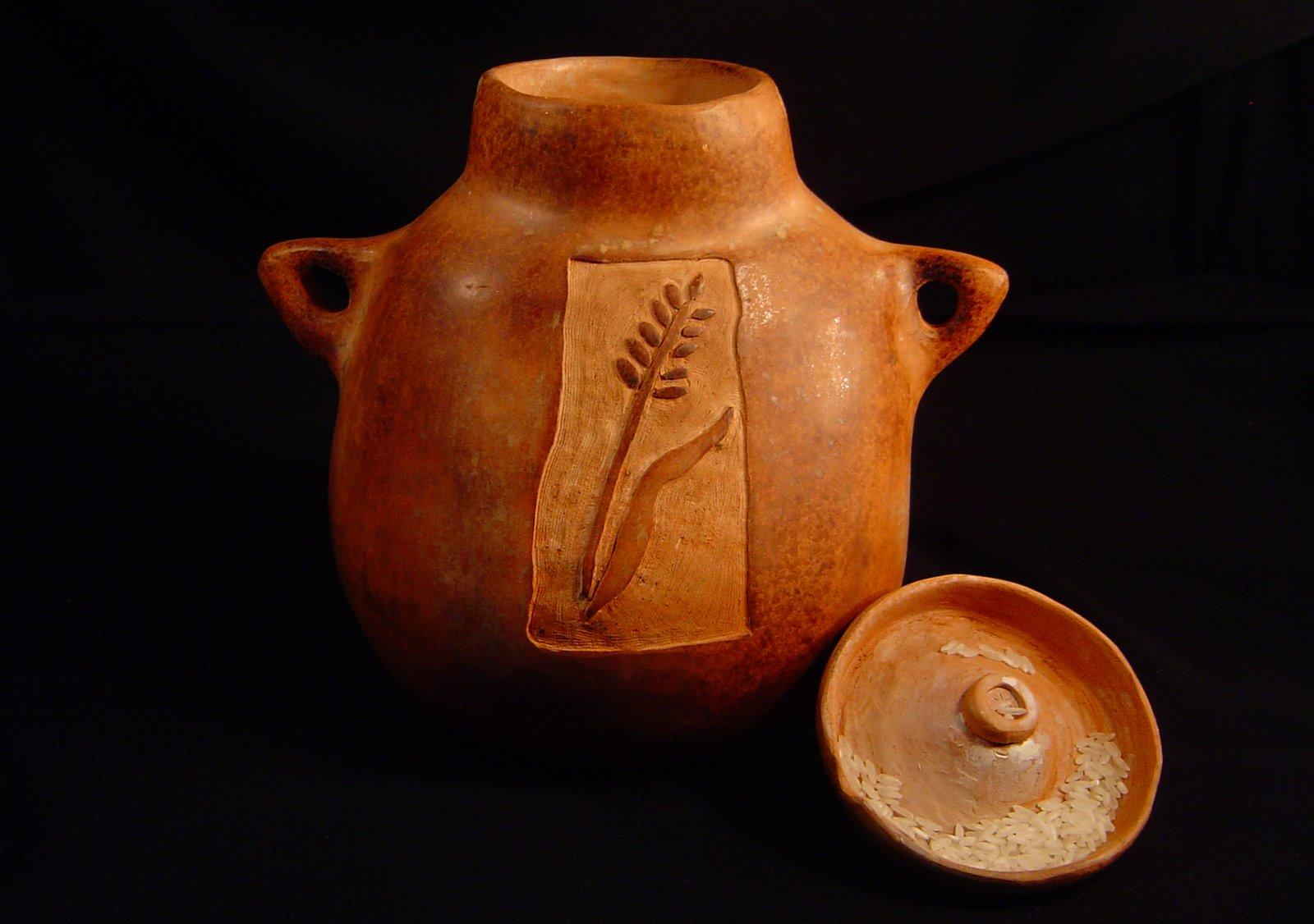 Ceramiczne naczynie do przechowywania ryżu