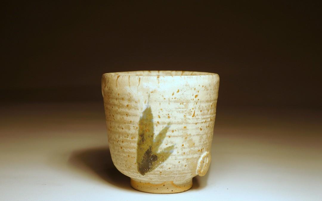 Ręcznie malowana, kamionkowa czarka do herbaty (yunomi) #93