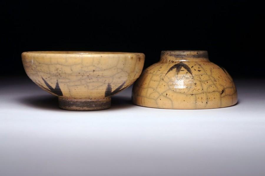 Justyna Karamuz • Gong Fu Cha tea bowls