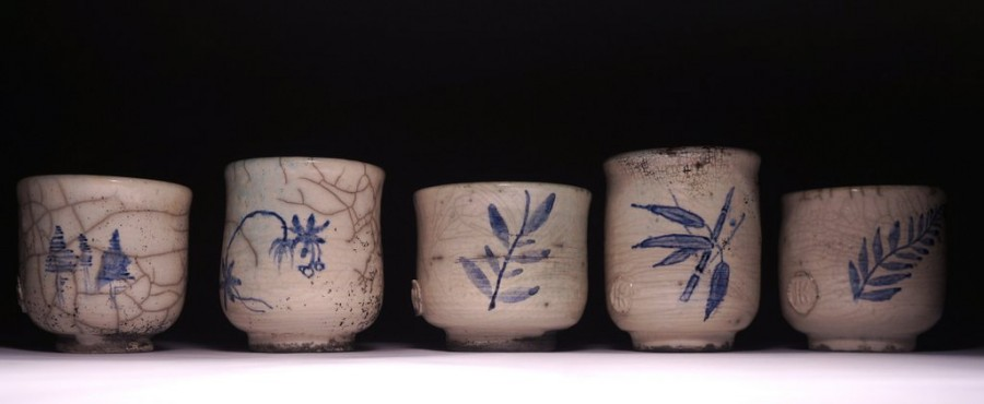 Set of painted tea bowls