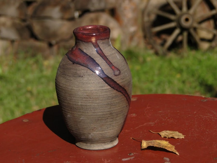 Ceramiczny wazonik
